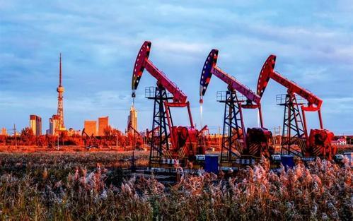 <strong>首季生产油气超千万吨 大庆油田产能建设见成效</strong>