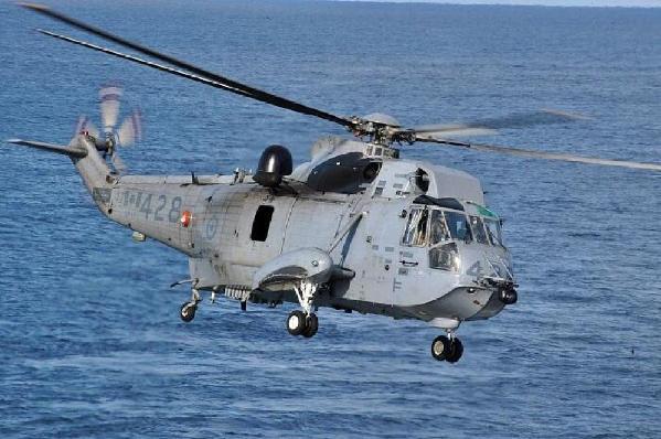 北约直升机在希腊附近海域坠毁