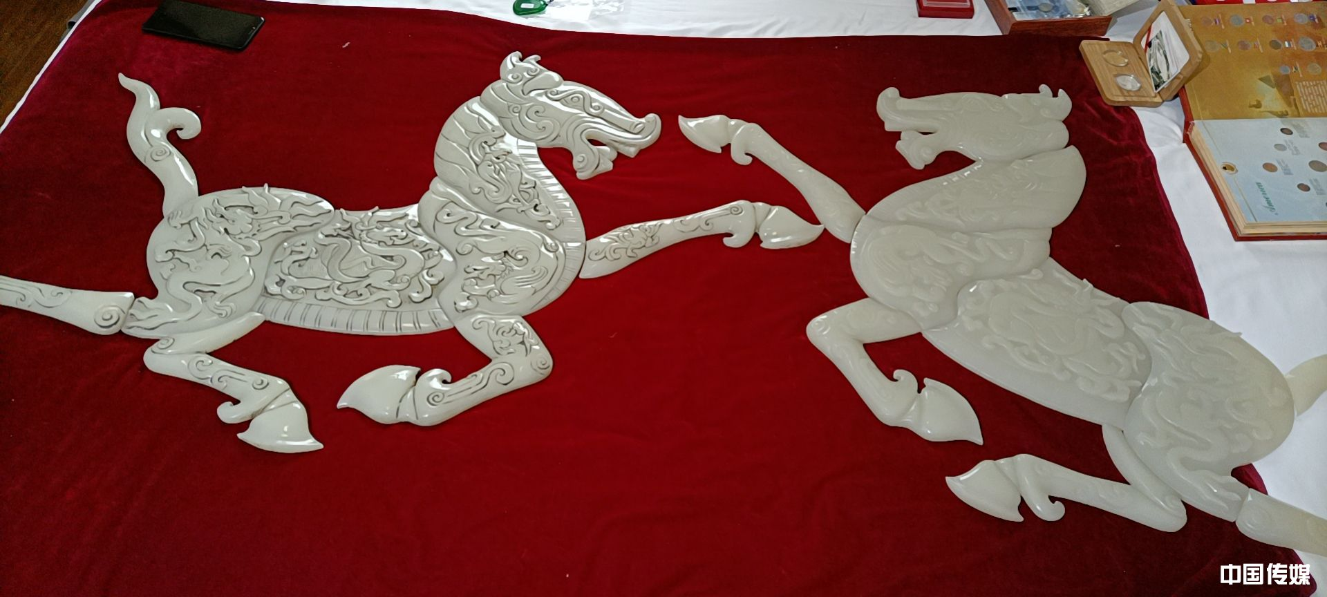 第十八届潍坊全国大型古玩宾馆交流会举办 万件藏品床上摆 百余房间任你逛